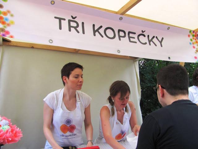 V plné polní. Za fotku díky Veronice  Pořízkové a pěkně so přečtete celý její článek na fajn blogu Z ghetta blog. http://zghettablog.blogspot.cz/2013/06/apetit-piknik-2013.html